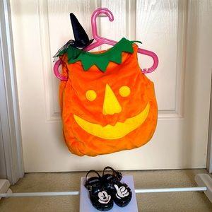 Halloween costume baby pumpkin